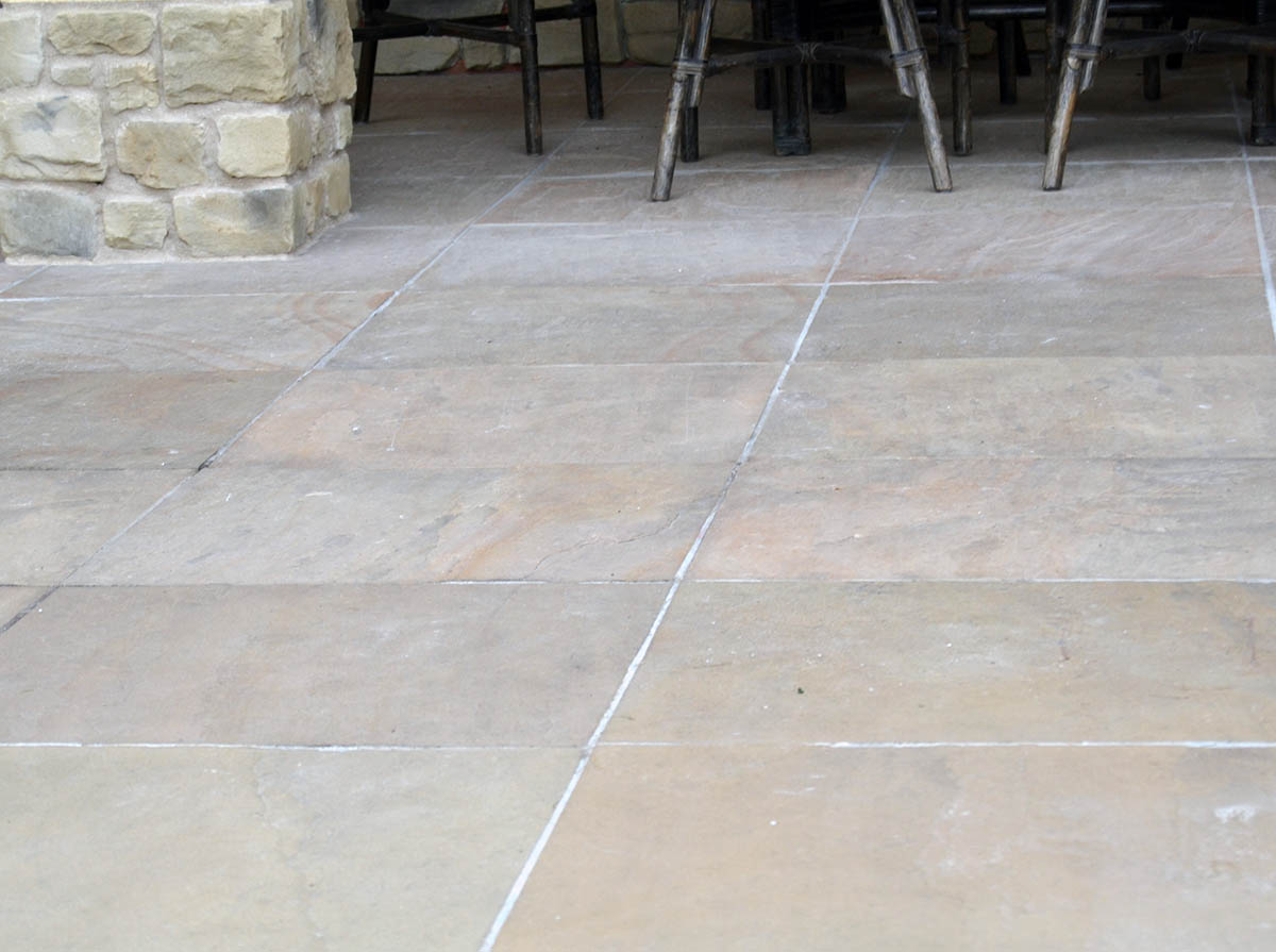 Terrastegels Natuursteen Buiten.Terrastegels Vloeren Tegels Bettens Co